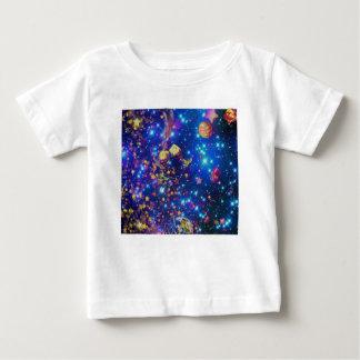Camiseta Para Bebê O universo e os planetas comemoram a vida com um