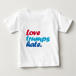 Camiseta Para Bebê Ódio dos trunfos do amor
