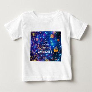 Camiseta Para Bebê Olhe acima e você vê que a maravilha nos cerca
