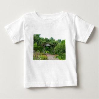 Camiseta Para Bebê Onde queda de pétalas