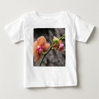 Camiseta Para Bebê Orquídea alaranjada