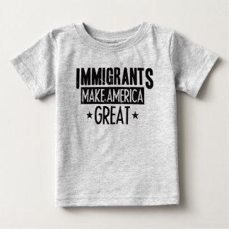 Camiseta Para Bebê Os imigrantes fazem o excelente de América
