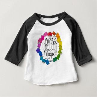 Camiseta Para Bebê Os livros são mágicos