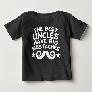 Camiseta Para Bebê Os melhores tios têm os bigodes grandes