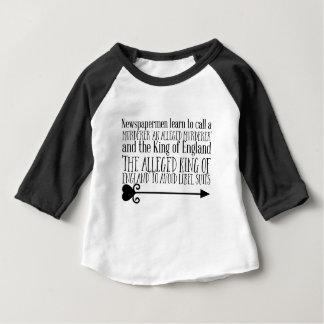 Camiseta Para Bebê Os Newspapermen aprendem chamar um assassino 'um