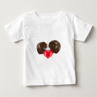 Camiseta Para Bebê Ovo e coração de chocolate