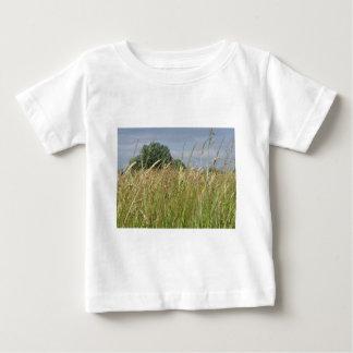 Camiseta Para Bebê Paisagem do verão do campo selvagem no campo