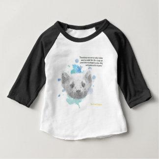 Camiseta Para Bebê Pantalaimon, o demónio de Lyra de seus materiais