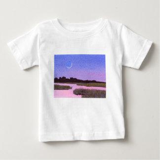 Camiseta Para Bebê Pântano crescente do crepúsculo da lua & da