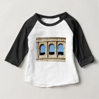 Camiseta Para Bebê parede de três arcos