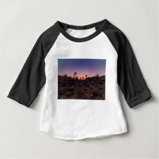 Camiseta Para Bebê Parque nacional de árvore de Joshua do por do sol