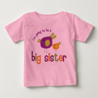 Camiseta Para Bebê parte traseira da irmã mais velha do passarinho