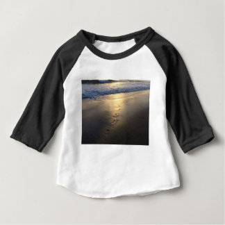 Camiseta Para Bebê Pegadas de desaparecimento