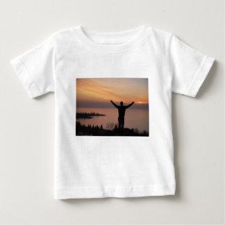 Camiseta Para Bebê Penhasco do por do sol