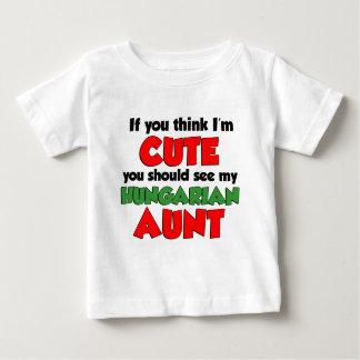 Camiseta Para Bebê Pense que eu sou tia húngara bonito
