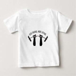 Camiseta Para Bebê Peso que treina menos fala do levantamento