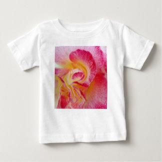Camiseta Para Bebê pétalas cor-de-rosa amarelas
