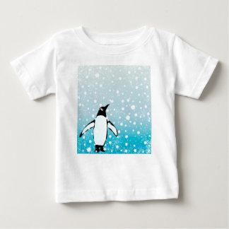 Camiseta Para Bebê Pinguim na neve