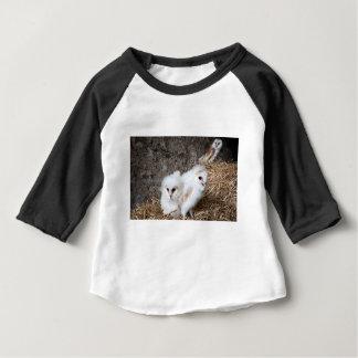 Camiseta Para Bebê Pintinhos da coruja de celeiro em um ninho