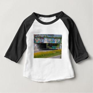 Camiseta Para Bebê Pintura mural do jardim zoológico