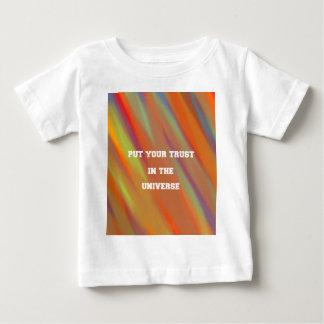 Camiseta Para Bebê Pnha sua confiança no universo