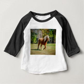 Camiseta Para Bebê Pônei de Shetland bonito