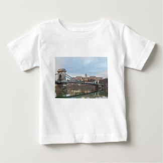 Camiseta Para Bebê Ponte Chain com castelo Hungria Budapest de Buda