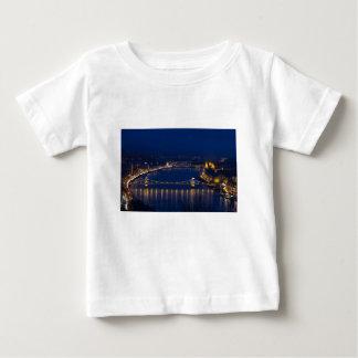 Camiseta Para Bebê Ponte Chain Hungria Budapest na noite