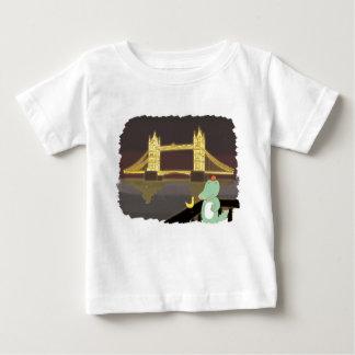 Camiseta Para Bebê Ponte de Lonson, ilustração bonito dos animais