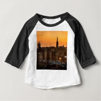 Camiseta Para Bebê Pôr-do-sol da skyline de Edimburgo