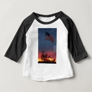 Camiseta Para Bebê Por do sol e bandeira de Tennessee