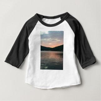 Camiseta Para Bebê Por do sol na água