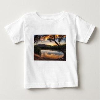 Camiseta Para Bebê Por do sol no rio