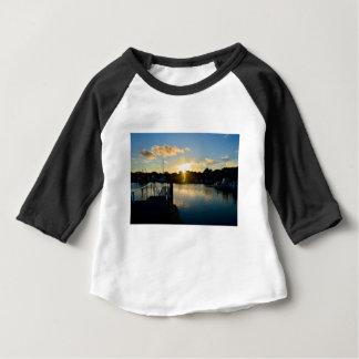 Camiseta Para Bebê Por do sol sobre Cape Cod