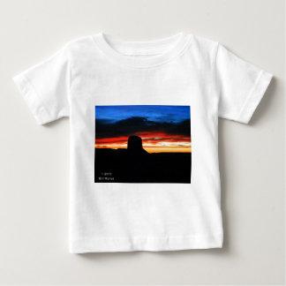 Camiseta Para Bebê Por do sol, vale do monumento, UT