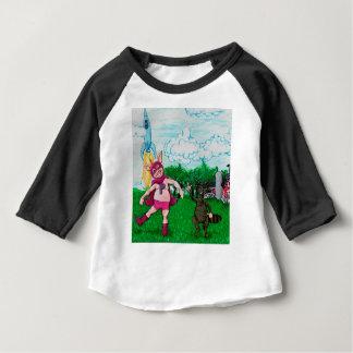 Camiseta Para Bebê Porco e guaxinim e um Rocket
