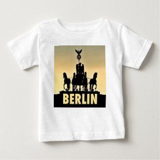 Camiseta Para Bebê Porta de Brandemburgo do Quadriga 002,1 de BERLIM