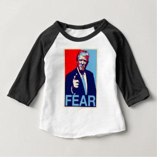 """Camiseta Para Bebê Poster 2017 da paródia do """"medo"""" de Donald Trump"""