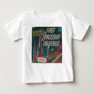 Camiseta Para Bebê Primeira nave espacial no filme do Scifi do