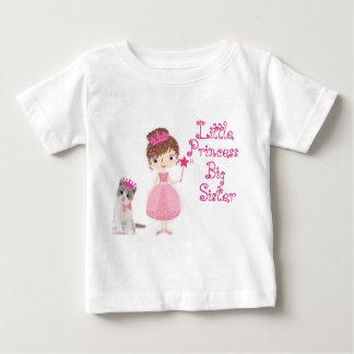 Camiseta Para Bebê Princesa pequena irmã mais velha