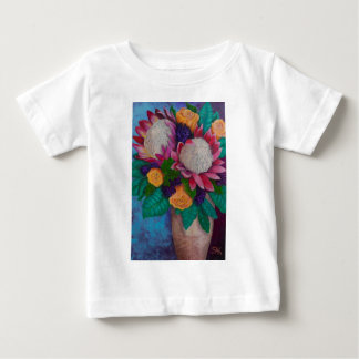 Camiseta Para Bebê Proteas gigantes e rosas alaranjados