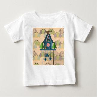 Camiseta Para Bebê Pulso de disparo de cuco com papel de parede da