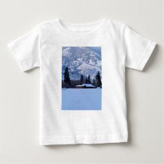 Camiseta Para Bebê Rancho em Canadá ocidental, inverno