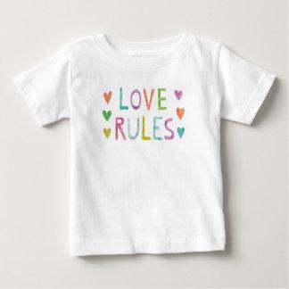 Camiseta Para Bebê Regras mágicas do amor com corações