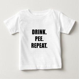 Camiseta Para Bebê Repetição do xixi da bebida