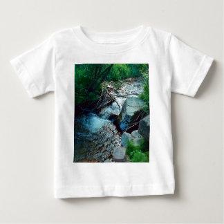 Camiseta Para Bebê Rio selvagem da floresta