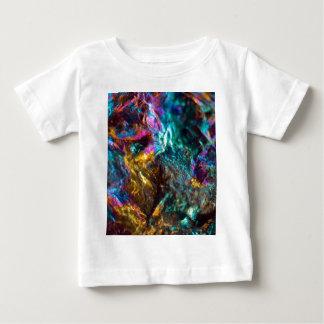 Camiseta Para Bebê Rocha de cristal lisa do óleo do arco-íris