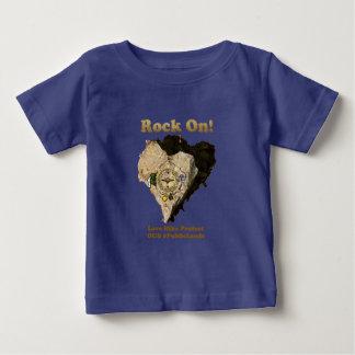 Camiseta Para Bebê ROCHA SOBRE! A caminhada do amor protege nossos