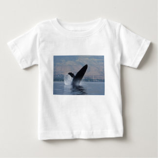 Camiseta Para Bebê rompimento da baleia do humback