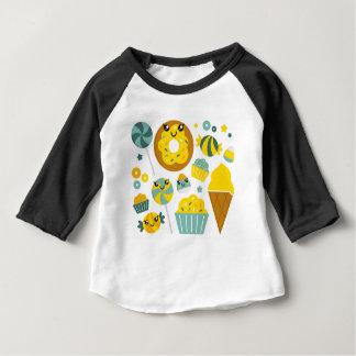 Camiseta Para Bebê Rosquinhas desenhados mão surpreendentes